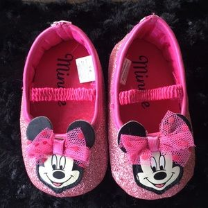 Minnie Mouse sparkling pink shoes